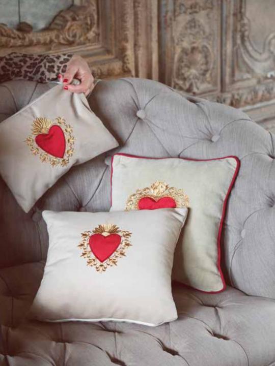 Cuscino cuore votivo rosso