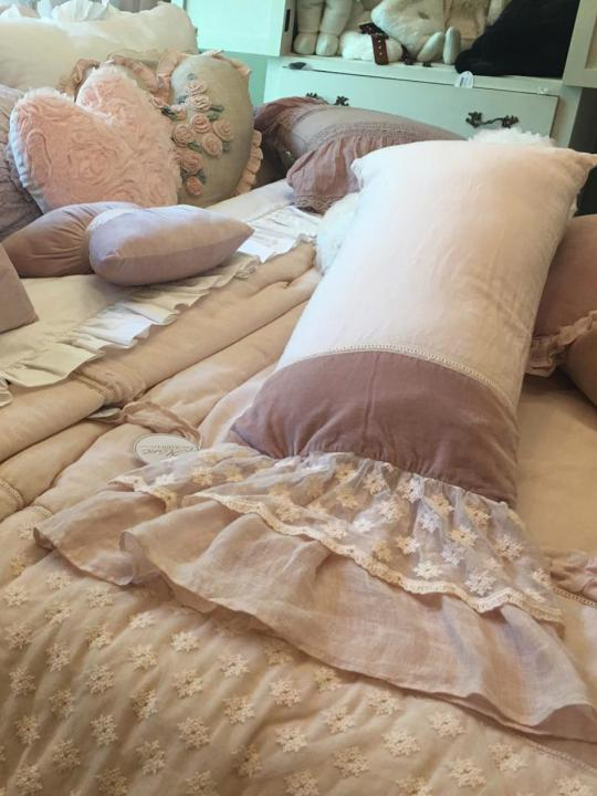 Cuscino rosa con gala